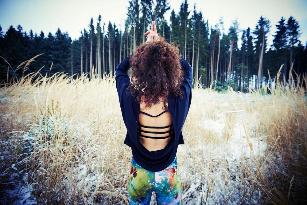 Wintersport Yoga - Home Practice - Tadasana Sampurna Mudra