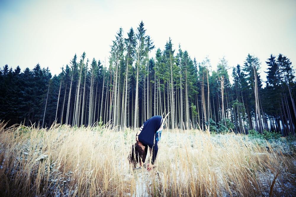 Wintersport Yoga - Home Practice - Uttanasana