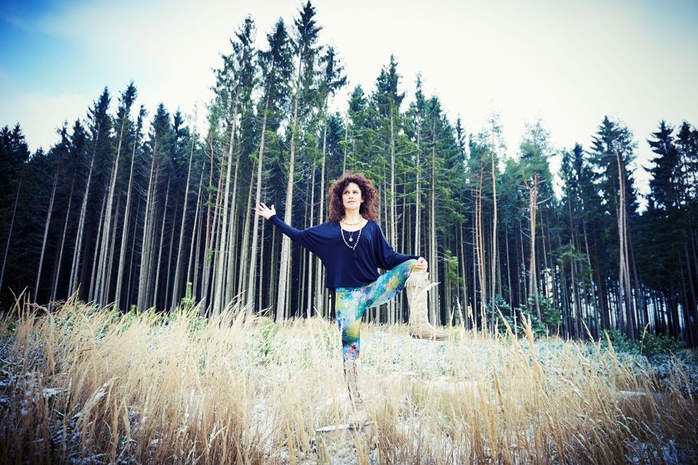 Wintersport Yoga - Home Practice - Utthita Hasta Padangustasana