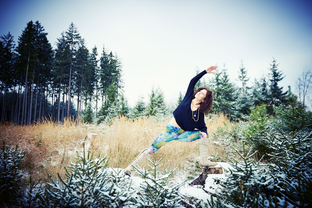 Wintersport Yoga - Home Practice - Parsvakonasana