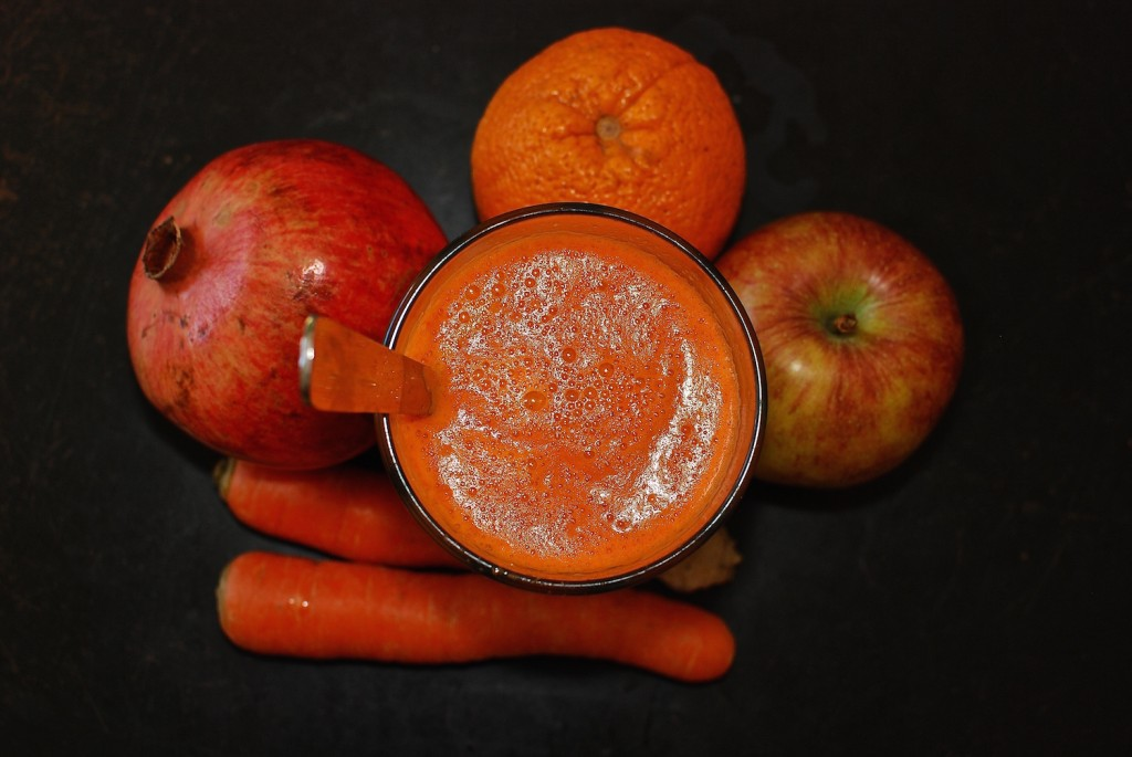 Joys of Juicing-Carrot Apple Orange Pomegranat Juice