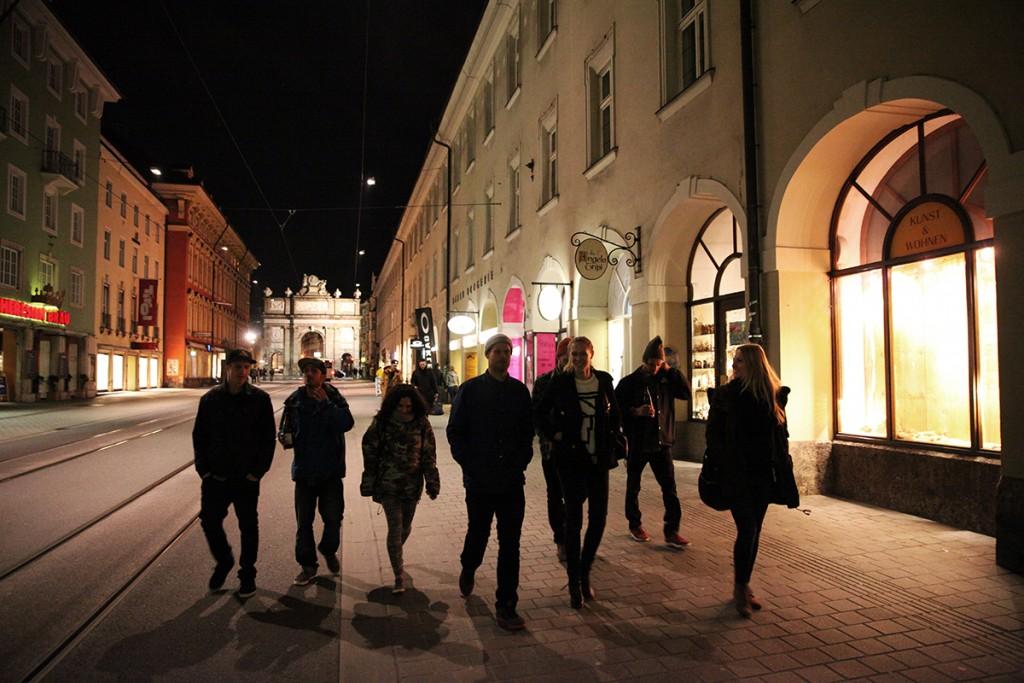 Oakley_SnowboardingForMe_MoviePremiere_Innsbruck_Chatting_Stale_Eero_Terje