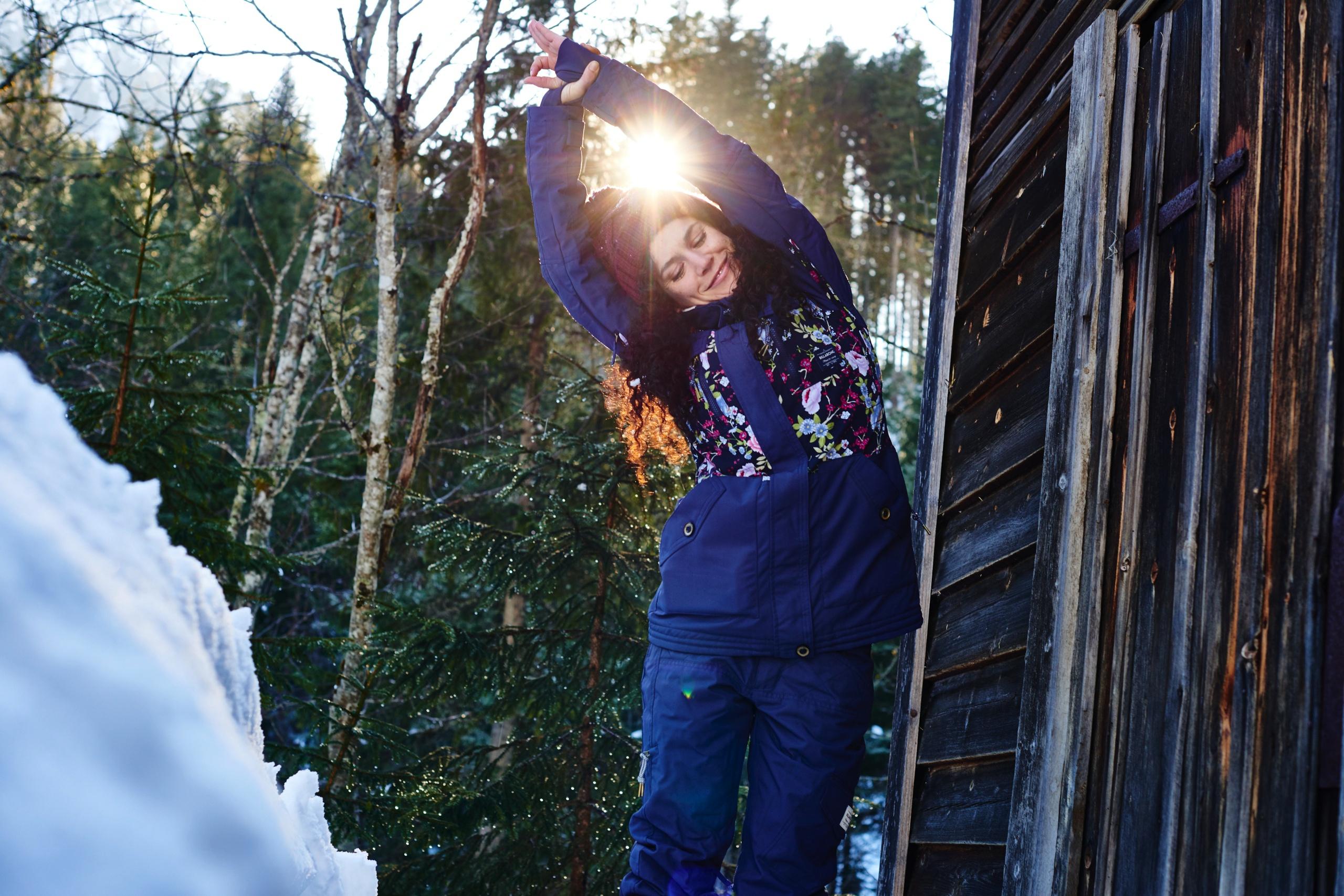 Anna-Kathalina-Langer-Snowga-Snoga-Yoga-Warm-Up